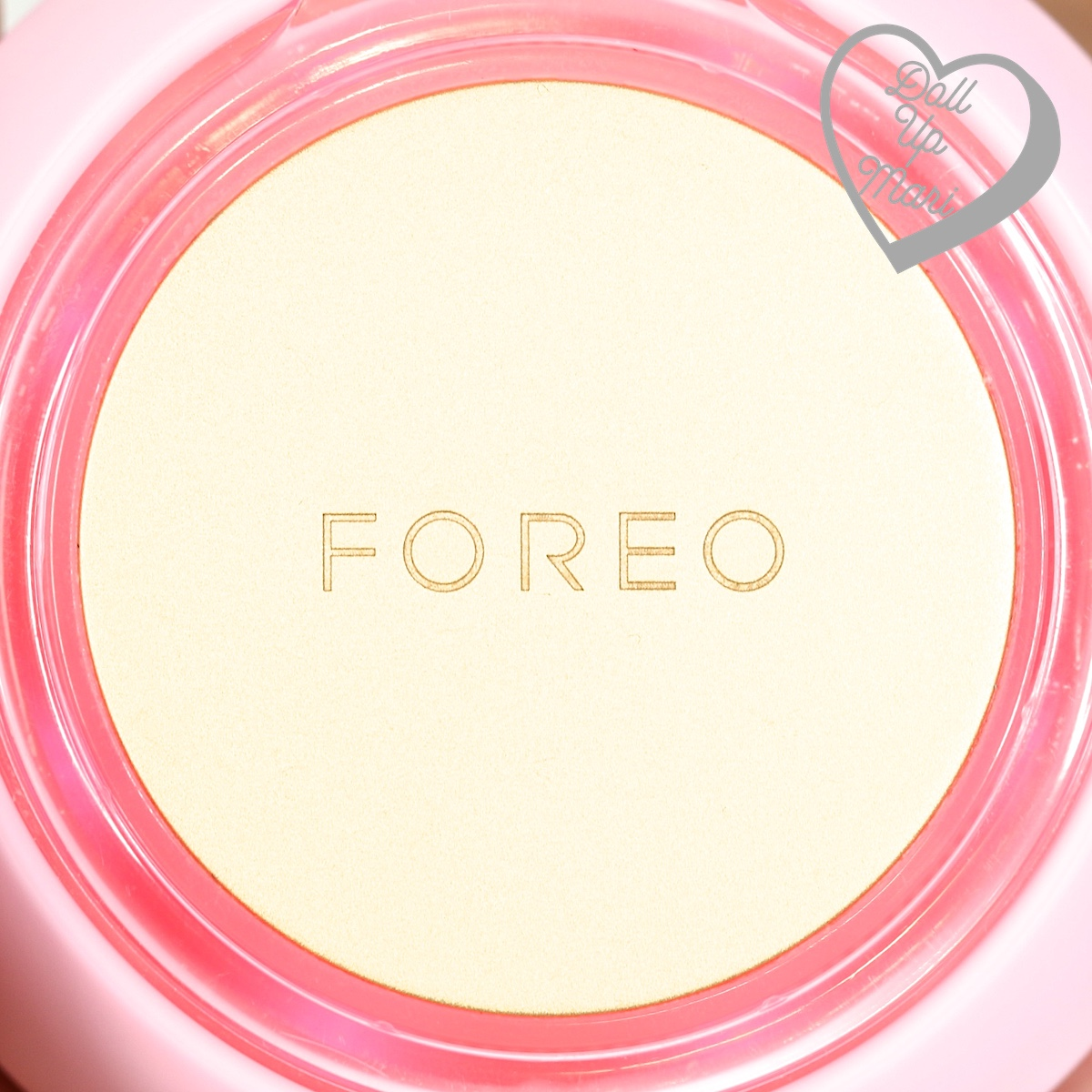 FOREO UFO Smart Mask Device displaying red LED light during thermo-therapy phase