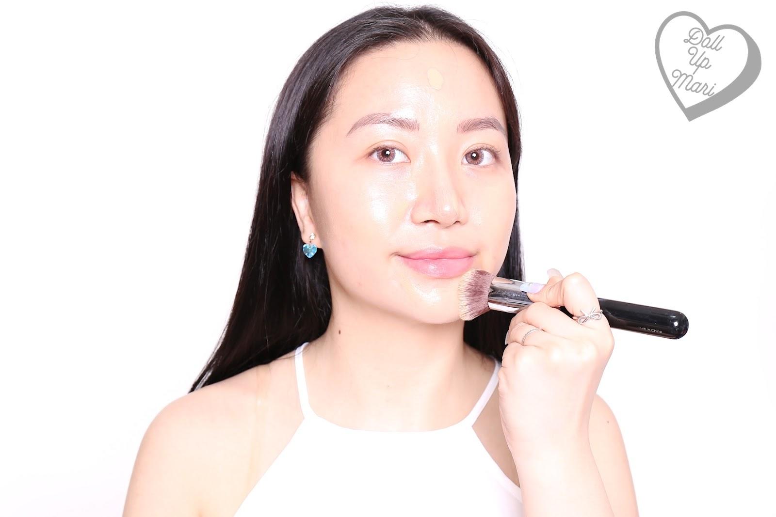 Blending L'Oréal Paris Infallible 24HR Fresh Wear Liquid Foundation SPF25PA+++ in shade Golden Beige using a kabuki brush