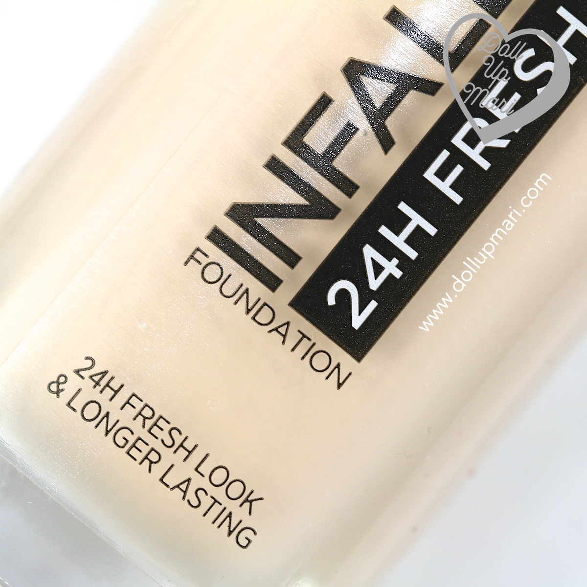 Zoom in of bottle of L'Oréal Paris Infallible 24HR Fresh Wear Liquid Foundation SPF25PA+++ in shade Ivory