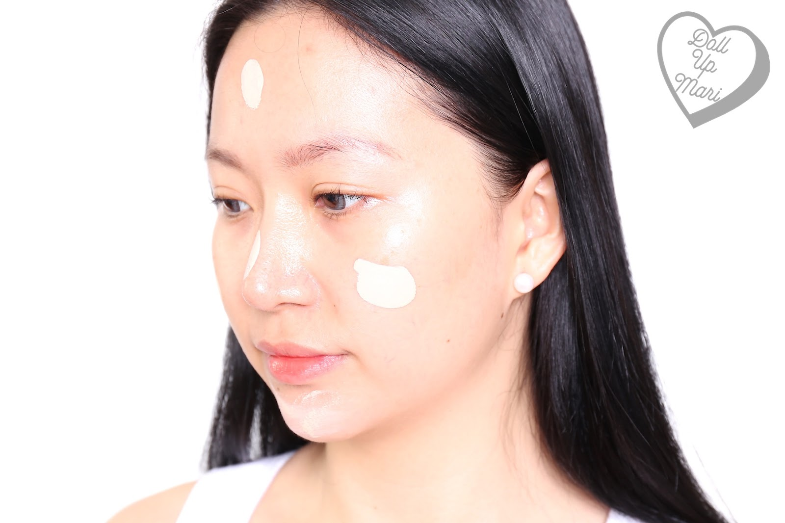Wearing L'Oréal Paris Infallible 24HR Fresh Wear Liquid Foundation SPF25PA+++ in shade Ivory when dotted
