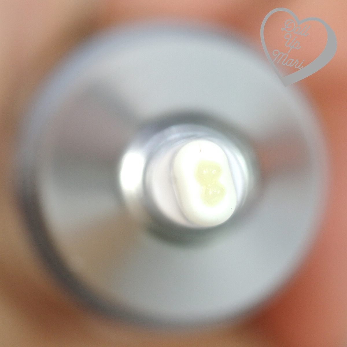 dispensing from tip of Avène PhysioLift Precision Wrinkle Filler